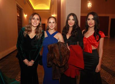 Andrea Valenzuela, Stephanie Lucero, Yolanda González y Lore Martínez.