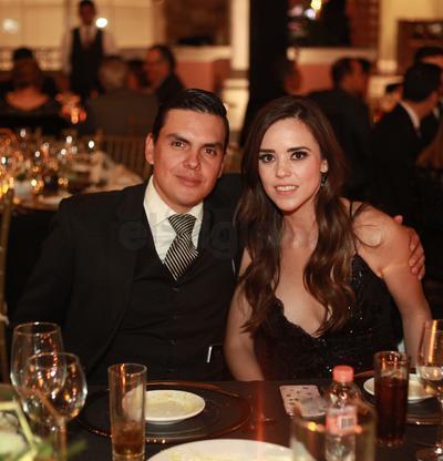 Roberto Calvillo y Jessica Mijares.