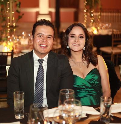 Miguel Castro Mayagoitia y Diana Soto.