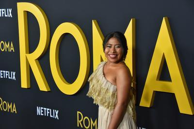Vive Cuarón lanzamiento de 'Roma' en Teatro Egipcio de LA