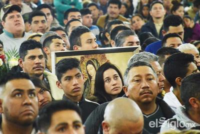 Asistieron con sus cuadros de la Virgen.