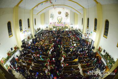 Laguneros festejaron el 487 aniversario de la aparición de la Virgen a San Juan Diego en el cerro del Tepeyac.