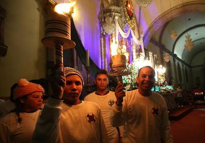 Duranguenses celebran a la Virgen de Guadalupe