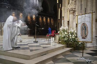 En Notre Dame de París también se le rindió tributo a la Guadalupana.