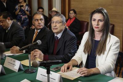 Durante la ceremonia llevada a cabo en el salón Simón Bolívar de la sede de la Secretaría de Educación Pública (SEP), en la capital mexicana, la exsenadora sonorense rindió la protesta ante el subsecretario de Educación Media Superior, Gilberto Guevara Niebla.