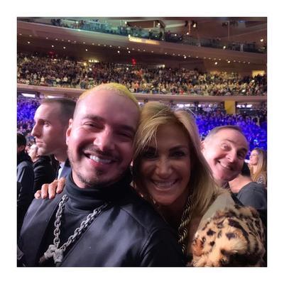 J Balvin y Adela Micha en el Madison Square Garden.