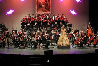 El eventoincluyó composiciones del género clásico, hasta tradicionales canciones mexicanas y un apartado para populares villancicos.