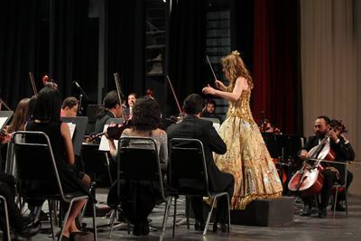 Con una aplaudida velada en la que reconocieron el talento de los integrantes de la Orquesta Sinfónica, la Orquesta Infantil y del Coro de la Academia Cesaretti.