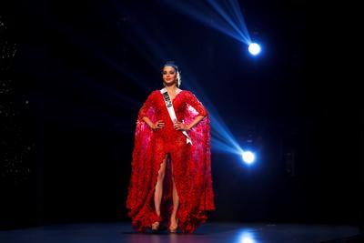 La candidata mexicana Andrea Toscano salió en la primera ronda del certamen de belleza.