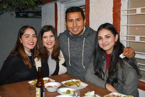 17122018 Jessica, Cristina, Paco y Montse.