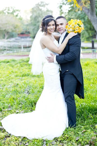 16122018 Paulina Solís Segura y Armando Maycotte Díaz son nuevos esposos. En este día tan especial, estuvieron acompañados por Rocío Díaz Juárez y Armando Maycotte Pansza; Eduardo Solís Maldonado y Claudia Segura Perales.