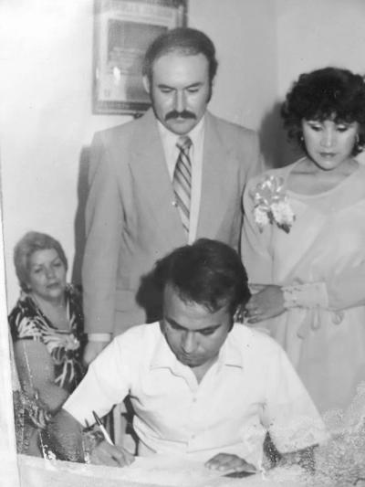 16122018 Gerardo y Marina contrajeron matrimonio civil en San Pedro de las Colonias, Coahuila, siendo testigo el Sr. Gustavo.