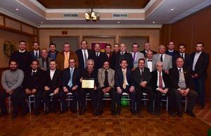 16122018 POSADA.  Integrantes del Colegio de Ortopedia y Traumatología de La Laguna.