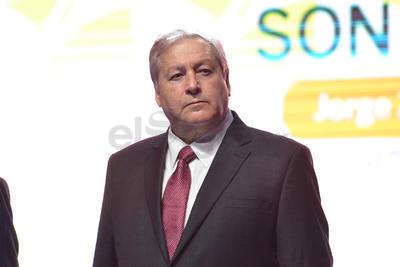 El secretario de Gobierno de Coahuila, José Fraustro Siller estuvo presente en el informe de Zermeño.