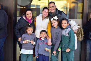 20122018 Gloria, Karla, Carlos, Paula, Sofía, Ivana y Aitor.