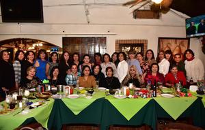 20122018 LA FOTO DEL RECUERDO.  Damas ex banqueras en su tradicional posada.