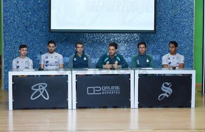 Ademas de los jugadores estuvieron presentes Alejandro Irarragori, José Riestra y Salvador Reyes.