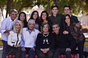 23122018 EN FAMILIA.  Celebrando graduación de Rafael en Texas A&M.