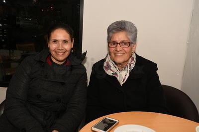 Amada Aragón y Nena Domínguez.