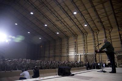 El mandatario efectuó estas declaraciones en la base aérea Al Asad, al oeste de Bagdad y gestionada por tropas estadounidenses e iraquíes.