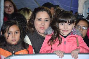 27122018 DESFILE NAVIDEñO.  Natalia y Cristina.