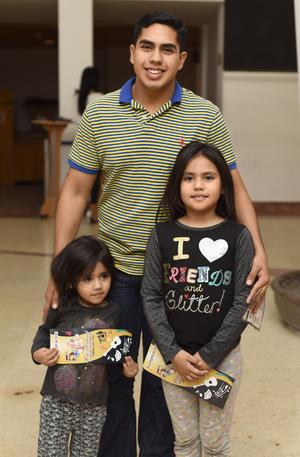 28122018 LA PASAN BIEN.  Elena, Olga y Fernando.