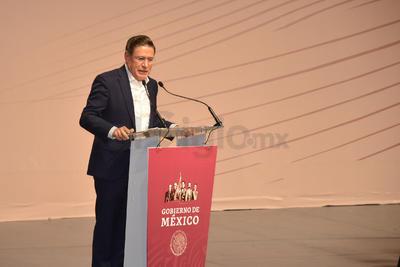 El gobernador de Durango, José Rosas Aispuro, agradeció la visita de AMLO a la región, que consideró, es para refrendar los compromisos que ha hecho con La Laguna.