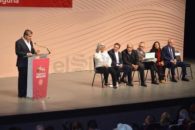 El gobernador Miguel Ángel Riquelme Solís destacó que su administración busca atraer inversiones a la Comarca Lagunera, generando competitividad.