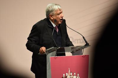 Andrés Manuel López Obrador estuvo en el Teatro Nazas presentando el Programa de Desarrollo para La Laguna.