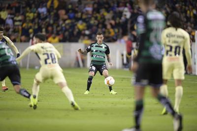 Santos Laguna dio inicio de juego a tres de sus cuatro refuerzos como titulares.