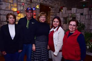 29122018 Martha, Juan, Cristy, Mildred y Vero.