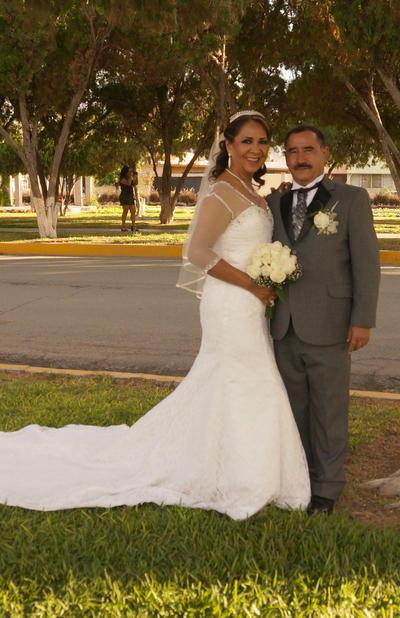 30122018 Dr. Felipe de Jesús Macías Domínguez y Aída Sánchez Renteria, contrajeron matrimonio. Los acompañaron en este día tan especial sus hijos, Verónica, Rocío, y Goretti Macías Reyes así como Brenda Guadalupe Pérez Sánchez.