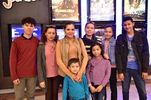31122018 Joseph, Carolina, Elena, Leonardo, Mariana, Jimena, Jenny y Manuel Andrés.