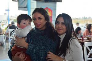 30122018 Familia Sujo González.