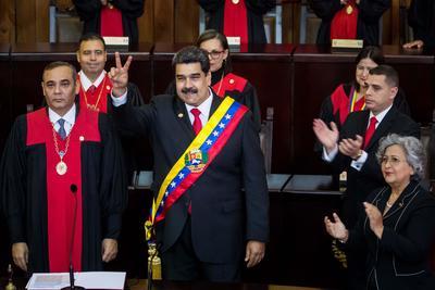 Nicolás Maduro arrancó su controvertido segundo sexenio con un panorama nada fácil, con una creciente presión internacional y una crisis sin precedentes.
