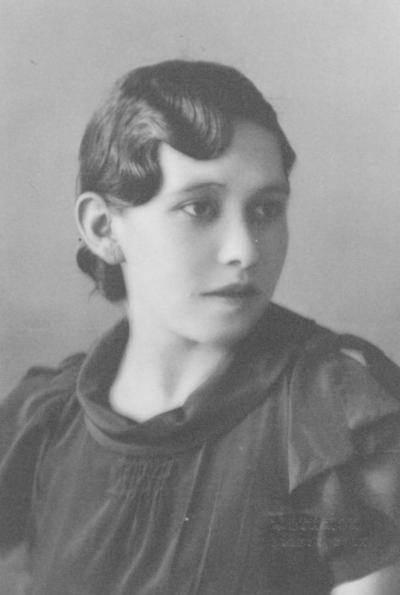 Antonia Cabral de Luna (f) en la década de los 30