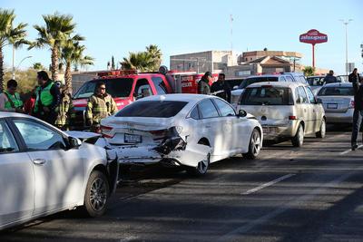 El lesionado fue atendido por elementos de la Cruz Roja, sin reporte de gravedad.