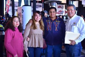 25012019 EN FAMILIA.  María del Rosario, Dulce, Daniel y Arturo.