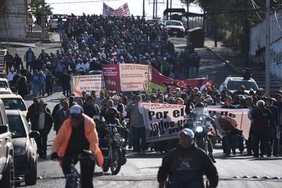 A este movimiento se sumaron las dos corrientes sindicales de la sección es 147 y 288, así como la dirigencia nacional del Sindicato Democrático.