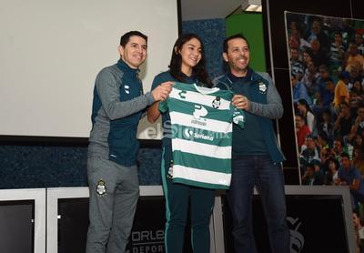 Sofía Ochoa llega proveniente de las Rayadas del Monterrey.
