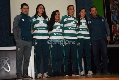 Eduardo Fentanes y Jorge Macías fueron los encargados de darle la bienvenida a las jugadoras