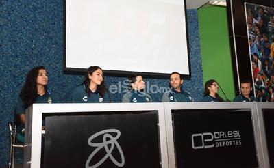 Las cuatro jugadoras fueron presentadas ante los medios.