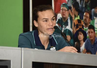 Cinthia Peraza habló con los medios de comunicación.