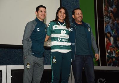 Sofía Ochoa dejó a las Rayadas del Monterrey para venir a Santos.