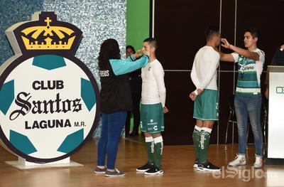 Los aficionados estuvieron presentes en la presentación del Ritual Guerrero.