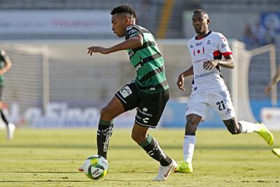 Santos vive amargo debut ante Lobos BUAP