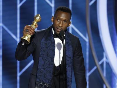 """El galardón de Mejor actor de reparto de cualquier película fue para Mahershala Ali (""""Green Book"""")."""