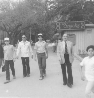 06012019 Enrique González Valles (f), Enrique González López, Enrique González Santos y Heriberto y Héctor González Santos, hace 4 décadas.