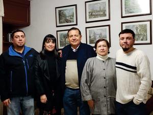 06012019 MUY CONTENTOS.  Familia Navarro Delgado.