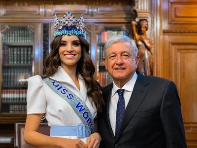 El presidente de México, Andrés Manuel López Obrador, se reunió hoy con la mexicana que ganó el certamen Miss Mundo 2018, Vanessa Ponce de León, quien regresó a su país para avanzar en su proyecto a favor de los niños indígenas.